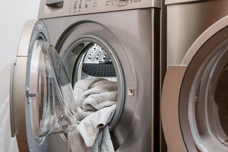 O que significa sonhar com roupa suja