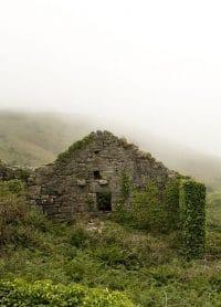 casa velha desabando