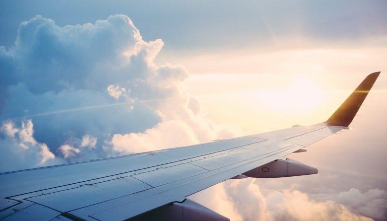 Sonhar com avião caindo