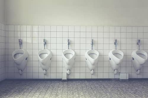 O que significa sonhar com banheiro?