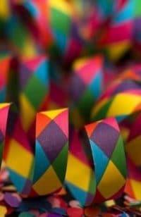 muitas cobras juntas coloridas