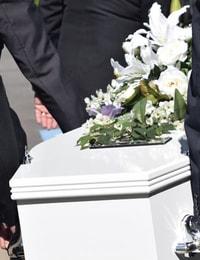 morto no caixão