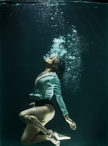 O que significa sonhar que está se afogando