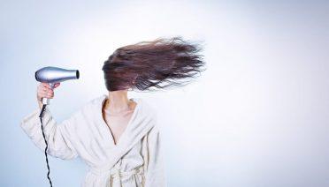 Sonhar com queda de cabelo