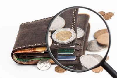 O que significa sonhar com dinheiro falso
