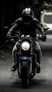 andando de moto