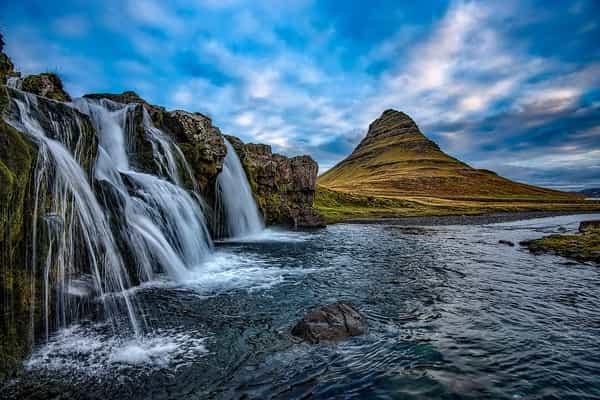 Sonhar com água corrente