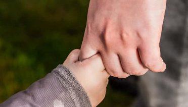 Sonhar com mãos dadas